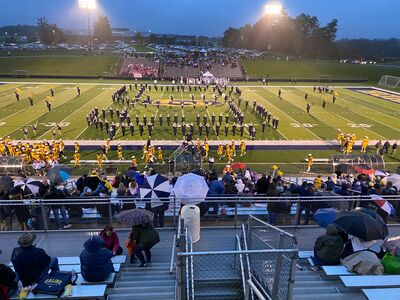 Dexter takes on Saline, as Hornets look to clinch SEC Red. Live reporting from Hornet Stadium