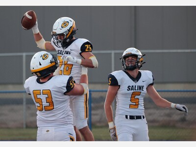 FOOTBALL: Niethammer Rushes for 3 TDs as Saline Downs Lincoln, 34-14